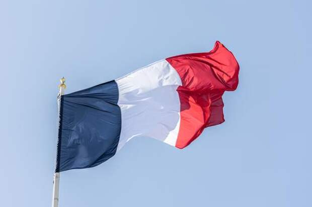 Во Франции раскритиковали «маленькую войну» Байдена и Зеленского против России