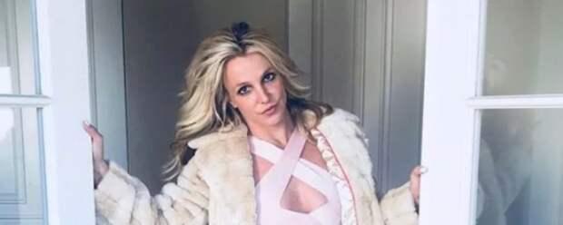 Отец Бритни Спирс требует от нее 2 миллиона долларов