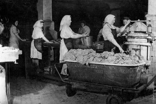 Почему в СССР ливерную колбасу называли «собачья радость»?