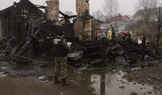 Следком расследует гибель 8 человек на пожаре в Выборге