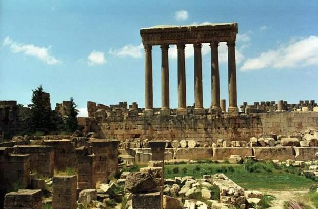 Храм Юпитера в Баальбеке