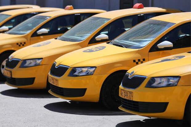 С таксистов не удалось «стрясти» деньги за прослушивание музыки