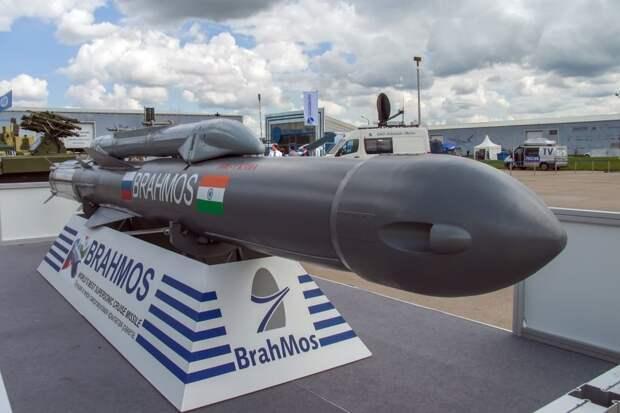 """Россия и Индия создадут ракету-""""убийцу AWACS"""""""