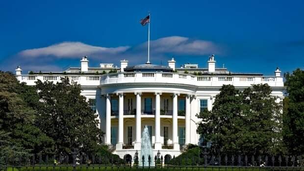 Администрация Белого дома призвала американцев не скупать топливо про запас