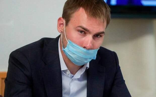 Шипулин встретился с мальчиком с ограниченными возможностями в рамках акции «Елка желаний»
