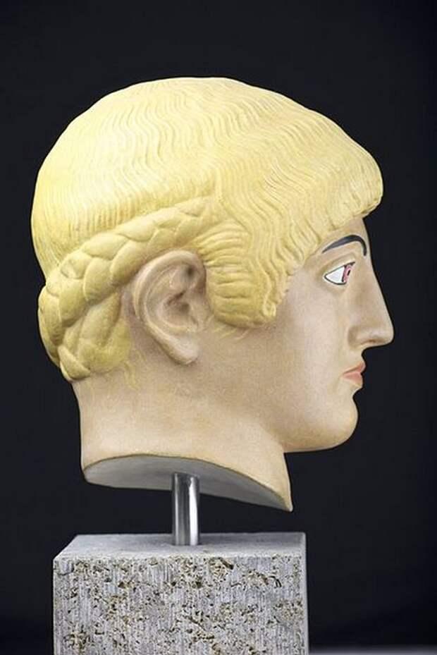 Реконструкция статуи блондинки из Акрополя, ок. 480 г. до н.э.