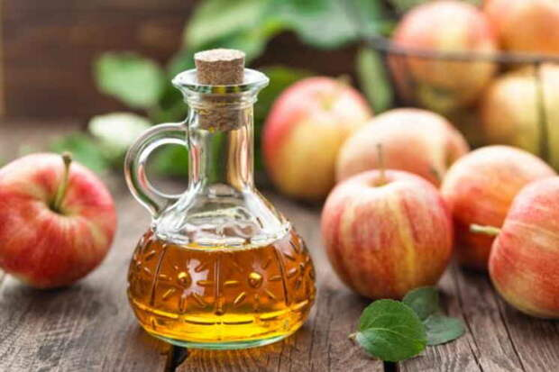 23 болезни, которые лечит яблочный уксус. Почему он всегда у меня есть в доме — это клад для организма.