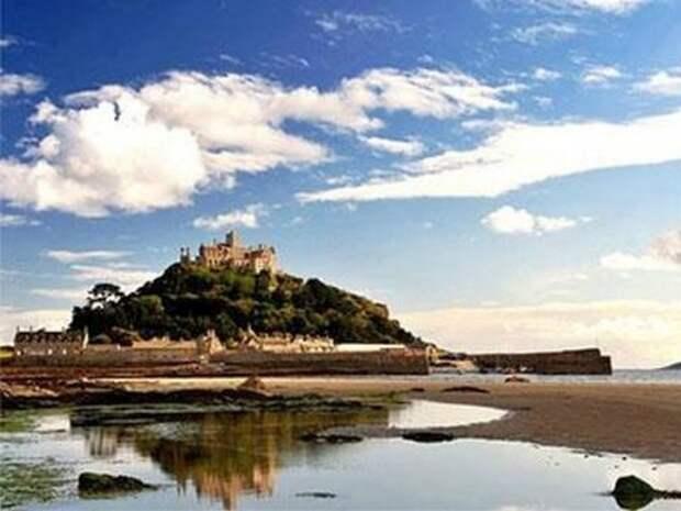 В Англии ищут смотрителя для старинного замка на острове
