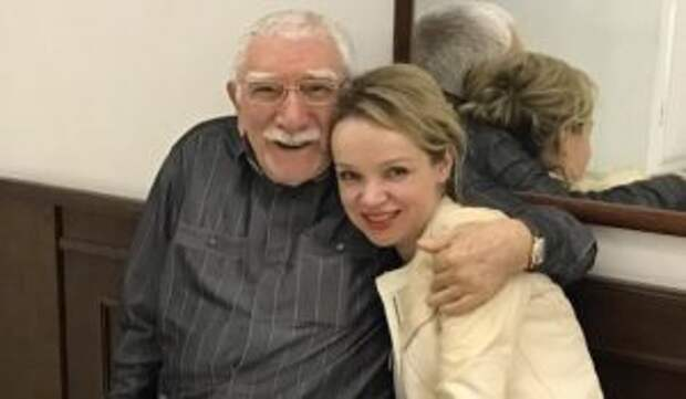 С резиновыми фаллосами: Цымбалюк-Романовская плюнула в лицо обнаглевшему другу Джигарханяна