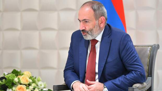 Пашинян: к переговорам с Азербайджаном подключились представители 102-й базы ВС РФ