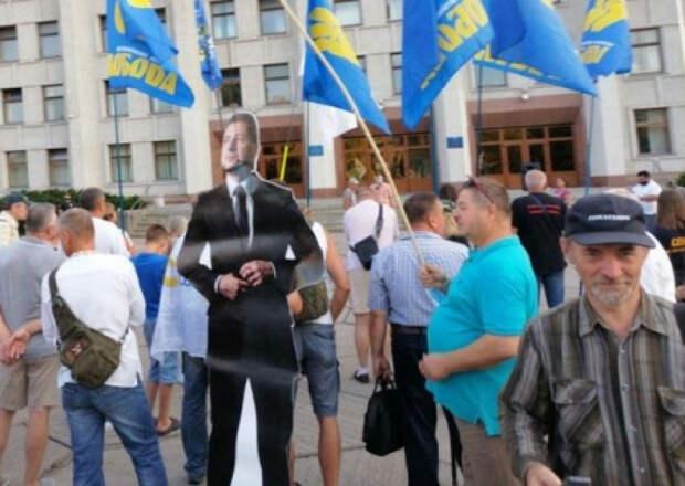 Украинские «ястребы» остались при своих 700…
