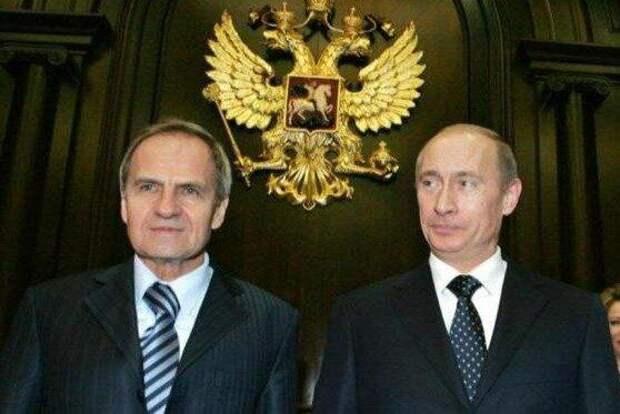 Зорькин и Путин. Источник фото: http://zampolit.com/upload/iblock/7db/7dbd8d1253909d7f4ec8f3e3fbdb33b8.jpg