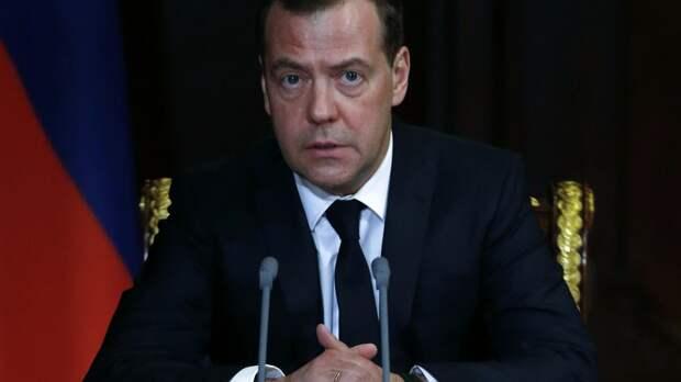 Дмитрий Медведев нашел способ остаться в составе нового правительства.?