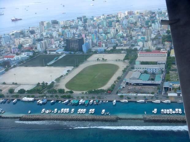 МИР ВОКРУГ. Город в океане