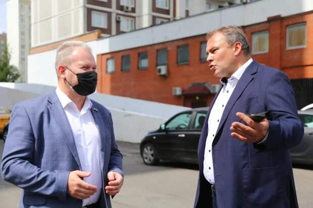 Петр Толстой взял под контроль вопрос создания пешеходной зоны в Марьино. Автор фото: Александр Чикин