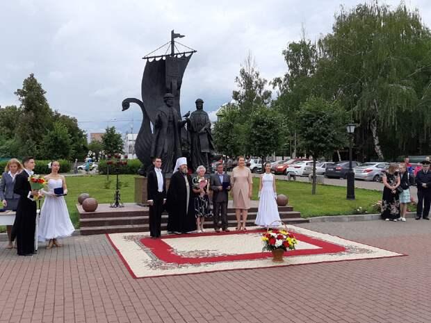 В Ижевске 24 супружеские пары удостоили медалями «За любовь и верность»
