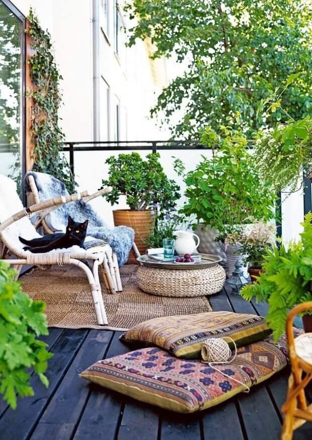 Красивые идеи зеленых балконов