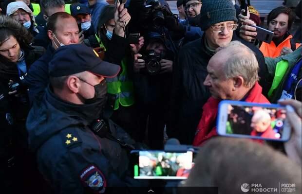 КПРФ выводит людей на митинг. А чего хотят добиться?
