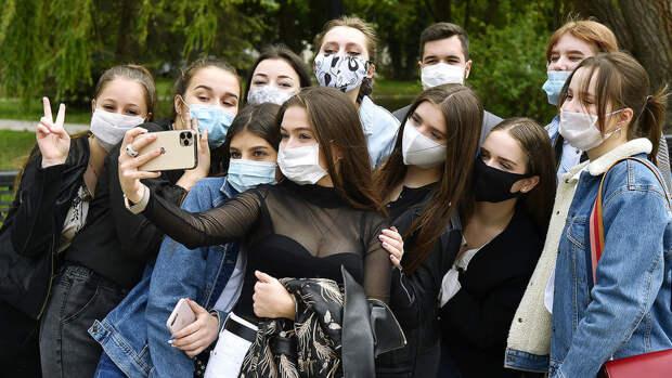 """Медики и ученые Британии: маски на школьниках создают """"атмосферу страха"""""""