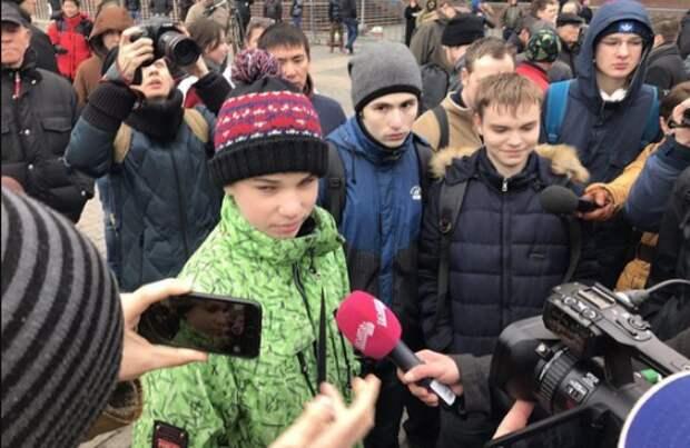 """""""Мама, у нас восстание!"""": На акции 2 апреля искали """"кучки"""""""