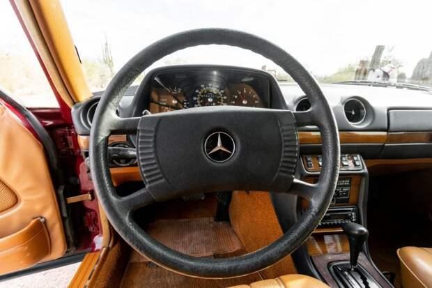 Взгляните на универсал Mercedes-Benz с пробегом миллион с лишним километров, который сейчас можно купить