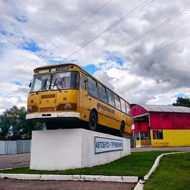 Сейчас есть много памятников этим автобусам автобусы, воспоминания, детство, ностальгия