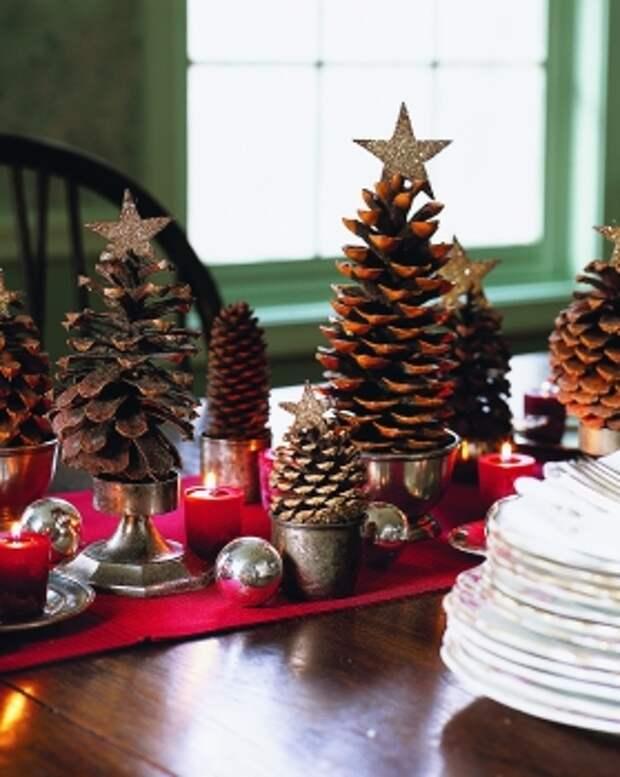 Звезда на елку из шишек, гирлянда из конфет и еще 18 идей для Нового года