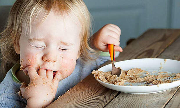 Ребенок играет с едой? Не страшно