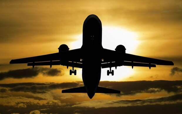 Авиарейсы из Хабаровска в Крым отменят на 2 месяца раньше