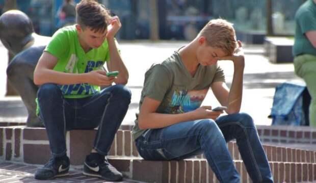 Астрологи объяснили, как найти подход к подросткам разных знаков зодиака