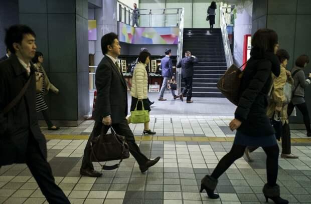 Японская журналистка умерла от переутомления на работе