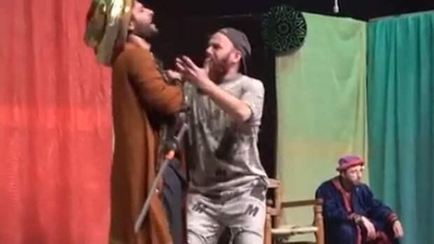 Спектакль по повести Гоголя собрал полный зал в сирийском Алеппо