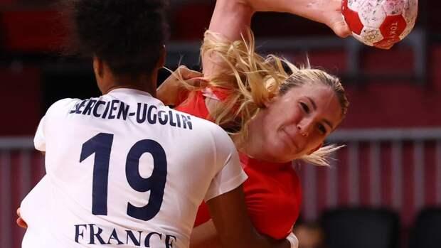 Российские гандболистки выиграли уФранции игарантировали себе выход вплей-офф Олимпиады