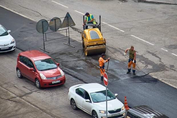 Движение машин по одной из улиц Симферополя ограничат