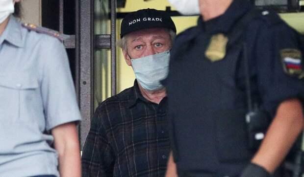 Онемели конечности: адвокат обнародовал новые подробности состояния Ефремова