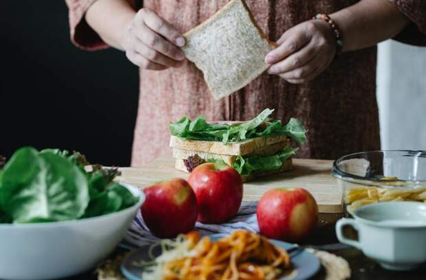Как сделать обычные бутерброды вкуснее и полезнее