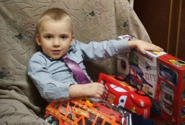 «Его отец защищал Донбасс»: 6-летний Александр Оленич из Донецка борется с пороком сердца