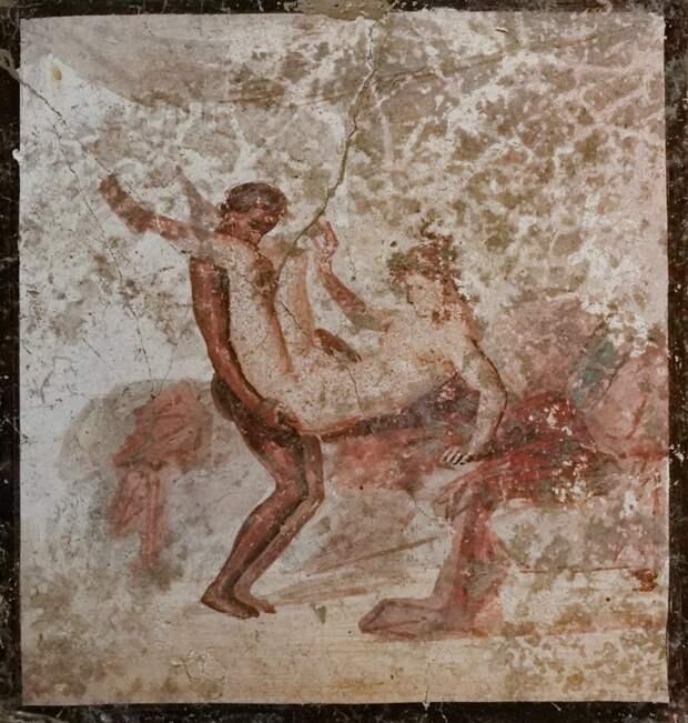 5 экспонатов первого музея порнографии: Люди, боги, козы