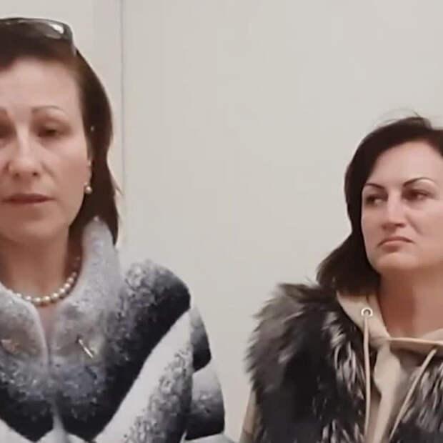 Медсестёр уволили за то, что они просили коронавирусную премию