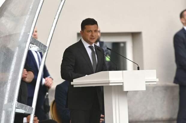 Зеленский на пресс-конференции в Литве, 7.07.21.jpg