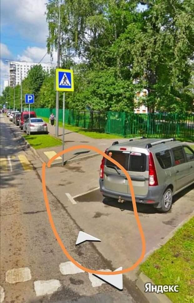 На Хотьковской переделали парковку