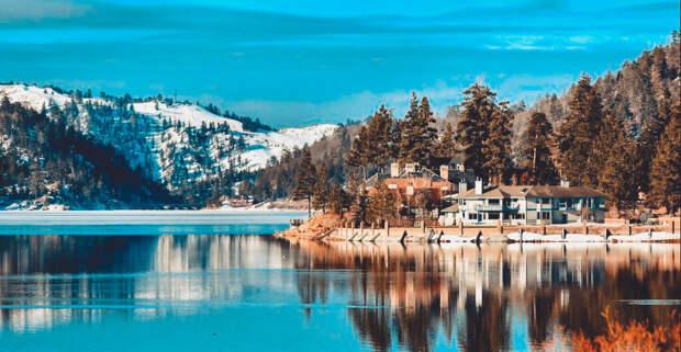 Большое Медвежье озеро - гордость Канады, является одним из самых больших озер мира