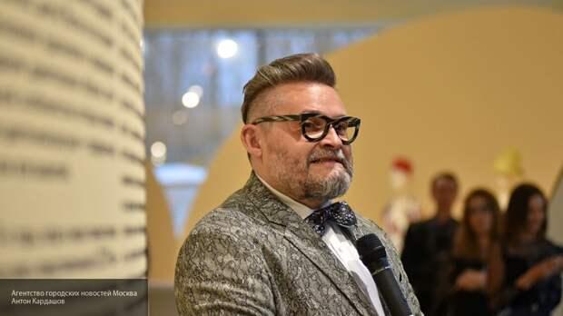 Александр Васильев показал, как не стоит одеваться женщинам с пышными формами