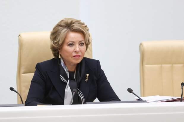 Предстоящее выступление Манижи на Евровидении разделило российских звезд на два лагеря