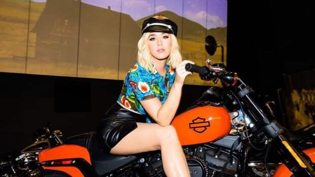 Певица Кэти Перри представила новый клип на сингл Electric