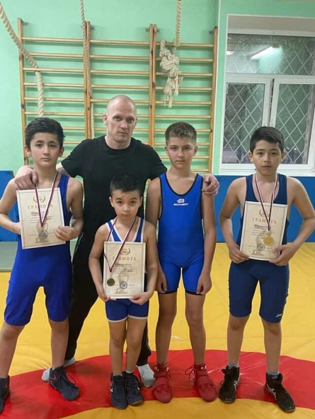 Юный спортсмен из Головинского стал чемпионом по вольной борьбе