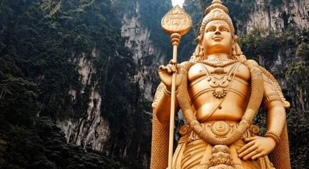 Выше только небо: 5 самых высоких статуй планеты