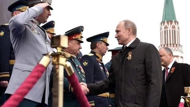 Владимир Путин прибыл на Красную площадь, где начинается парад Победы
