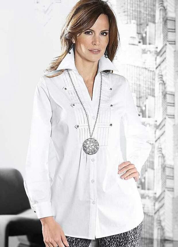 Как выглядеть моложе с помощью одежды: 7 вариантов блузок, которые освежают образ взрослой леди