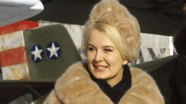 Эве Киви назвала Кирилла Лаврова самым чувственно целующимся советским актером